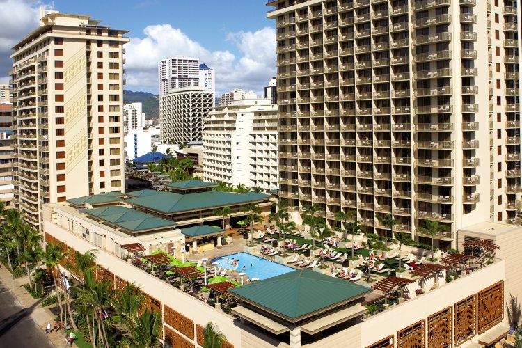 Embassy Suites – Waikiki Beach Walk