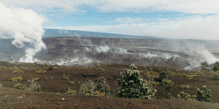 Halemaumau Crater (c) HTA / Heather Goodman